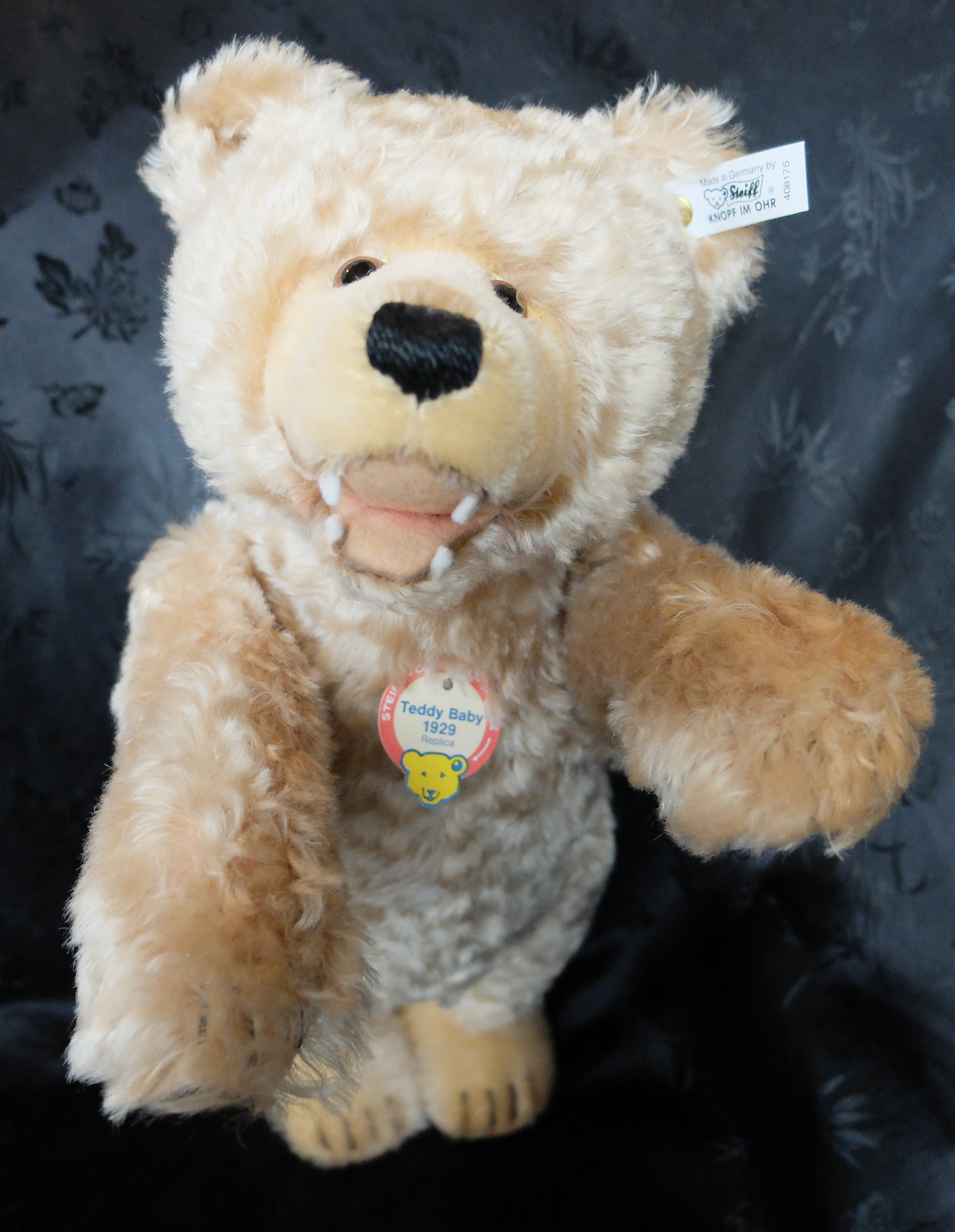 teddy bears friends steiff teddy baby with teeth 1929 replica year 1995 limited. Black Bedroom Furniture Sets. Home Design Ideas