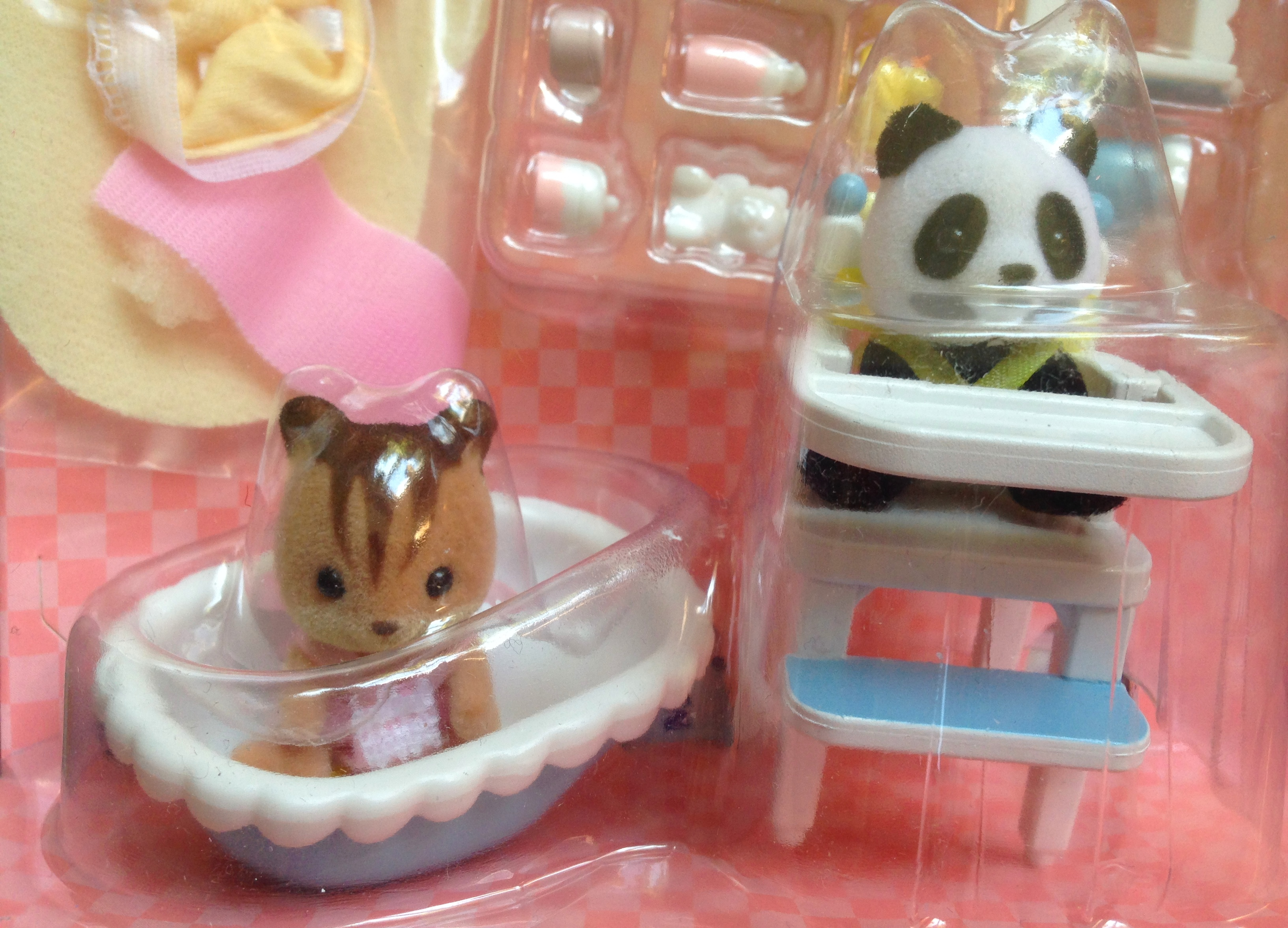 Sylvanian Families Calico Critters Drying Rack /& Accessories